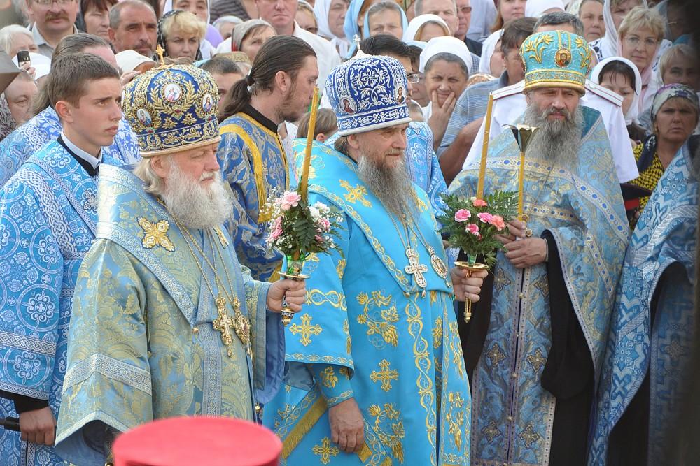 Архиепископ Ярославский и Ростовский Пантелеимон, епископ Рыбинский Вениамин