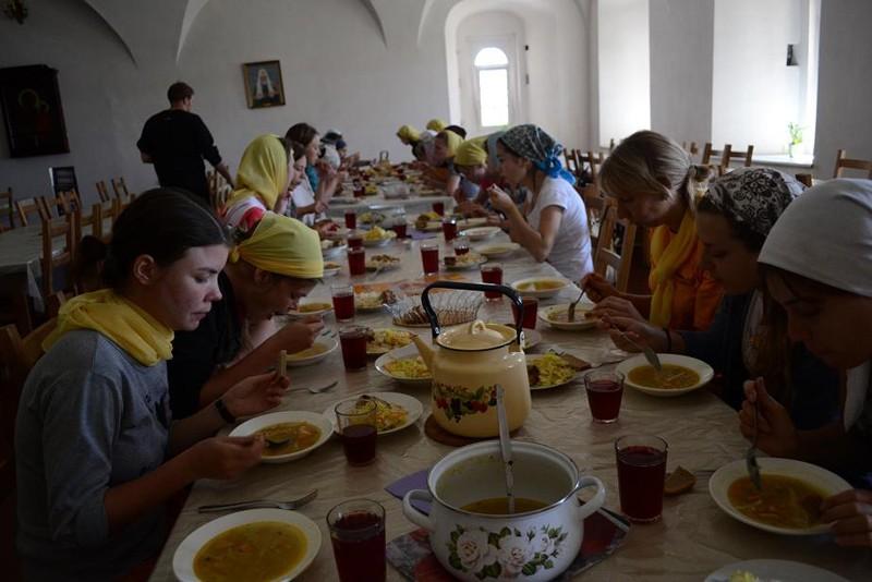 Трапеза в Успенском монастыре