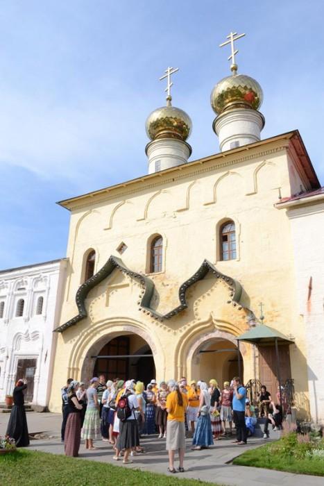 На экскурсии в Успенском монастыре