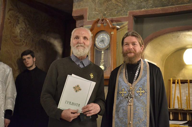 Писатель Владимир Крупин после награждения его Патриаршей грамотой