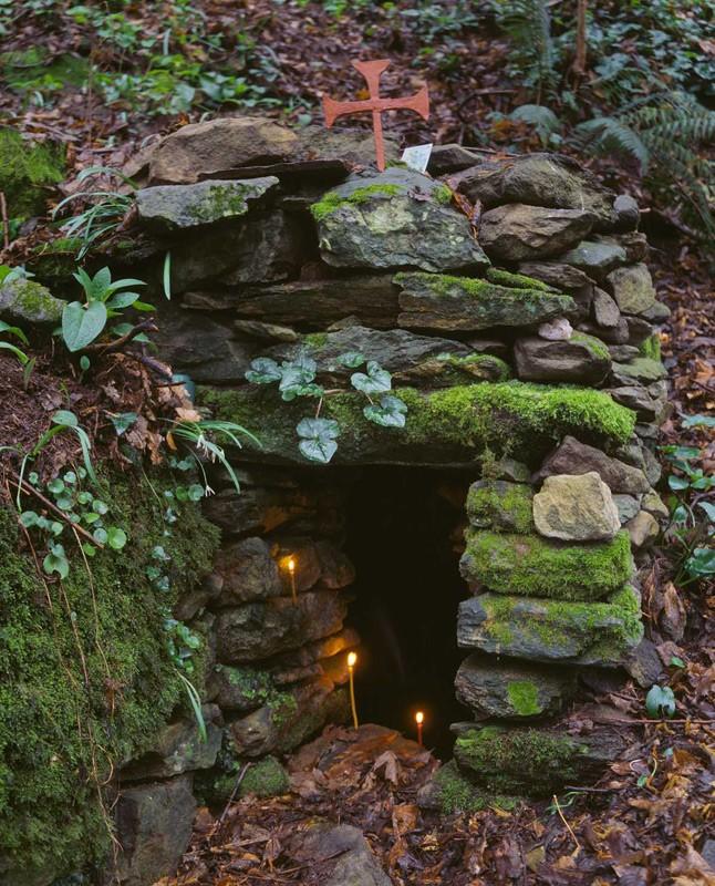Σπηλιά στο Άγιο Όρος