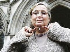 Страсбургский суд рассмотрит иски о запрете на ношение нательных крестов