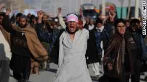 Les troubles en Afghanistan après de brûler le Coran