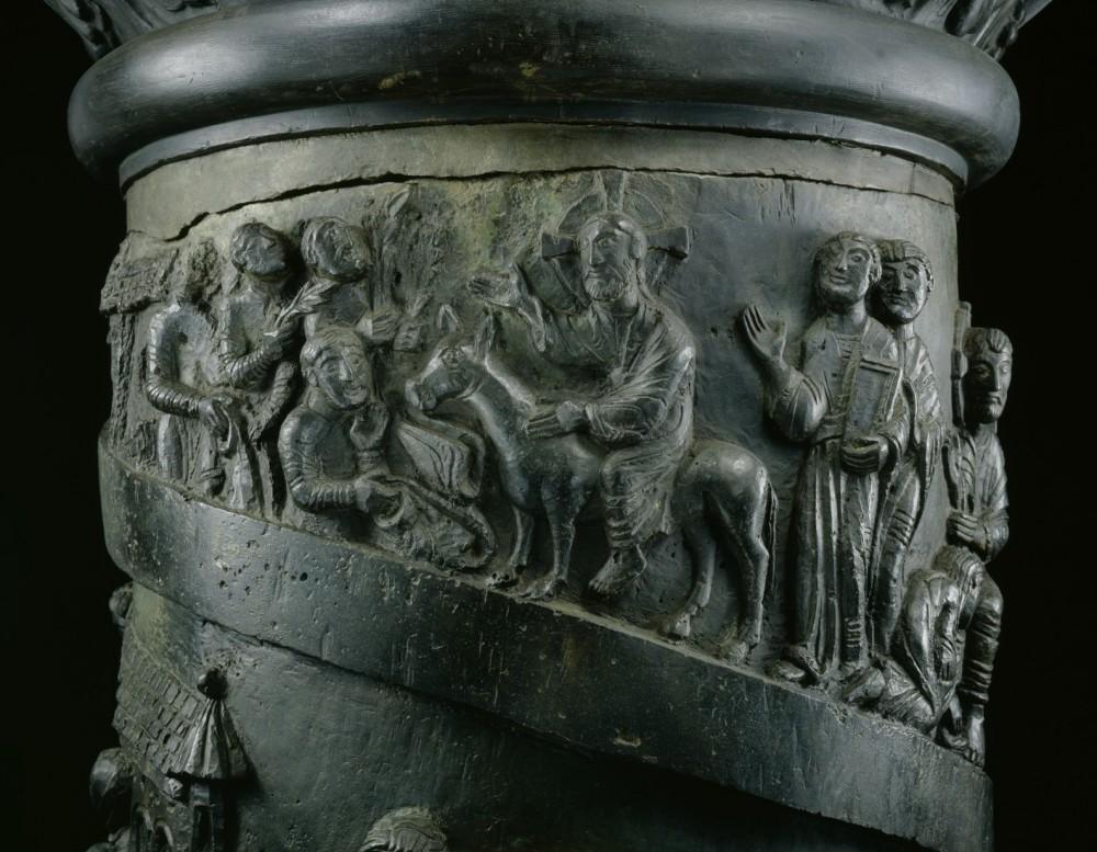Вход Господень в Иерусалим. Бронзовая колонна св. Бернварда из церкви св. Михаила. XI в. Хильдесхайм, Германия