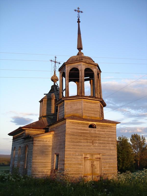 Деревня Слободка. Часовня апостолов Петра и Павла до консервационных работ