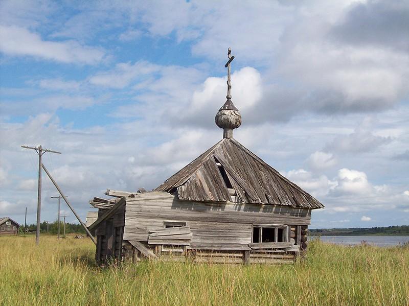 Деревня Кялованга. Часовня апостолов Петра и Павла