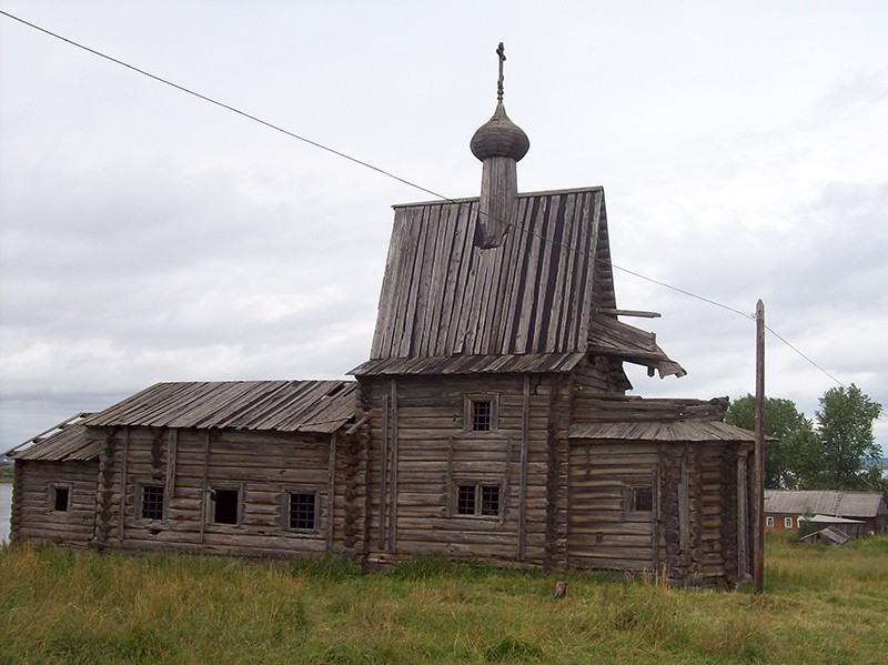Деревня Чухчерьма (Тарасово). Храм святителя Василия Великого с колокольней (1824 г.)