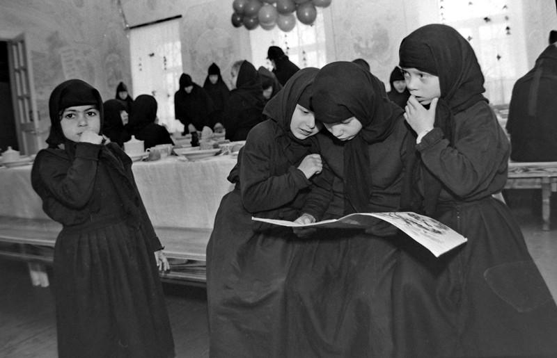 Ορφανοτροφείο στην Ιερά Μονή του Αγίου Νικολάου Τσερνοόστροβσκιϊ