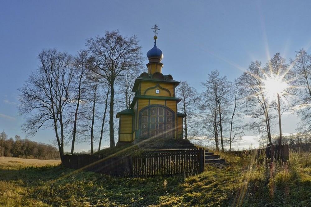 Ιερός Ναός Αγίου Πνεύματος, χωριό Ιάμπλοτσνα