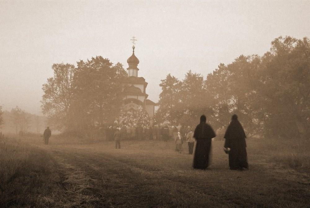 Ιερά Μονή Αγίου Ονουφρίου στο χωριό Ιάμπλοτσνα
