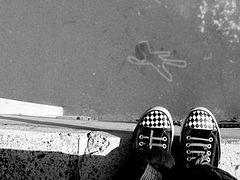 Подростковые суициды: от виртуальной жизни к реальной смерти