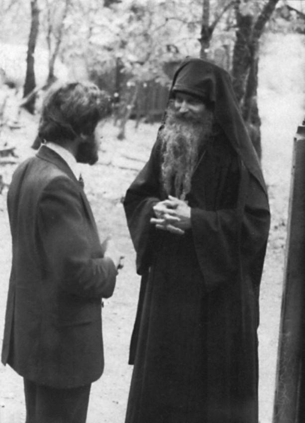 О. Серафим (Роуз) и Эндрю Бонд, новообращенный из Англии Монастрь Прп. Германа. 1979 г.
