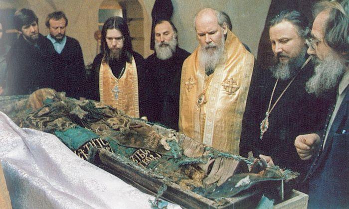 Архимандрит Тихон Шевкунов: Мошти светитеља Тихона