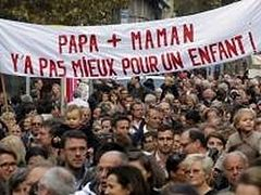 Hundreds of thousands rally against gay 'marriage' in France