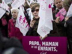 Толерантная Франция против однополых браков